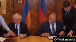 Налбандян и Лавров подписывают программу консультаций между МИД Армении и России на 2016-17гг., Москва, 10 марта 2016 г.