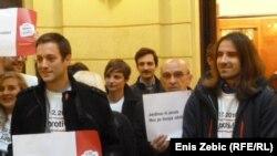 """Aktivisti kampanje """"Građani glasaju protiv"""""""
