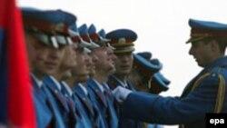 Влиятельная сербская оппозиция требует похоронить бывшего лидера по высшему разряду