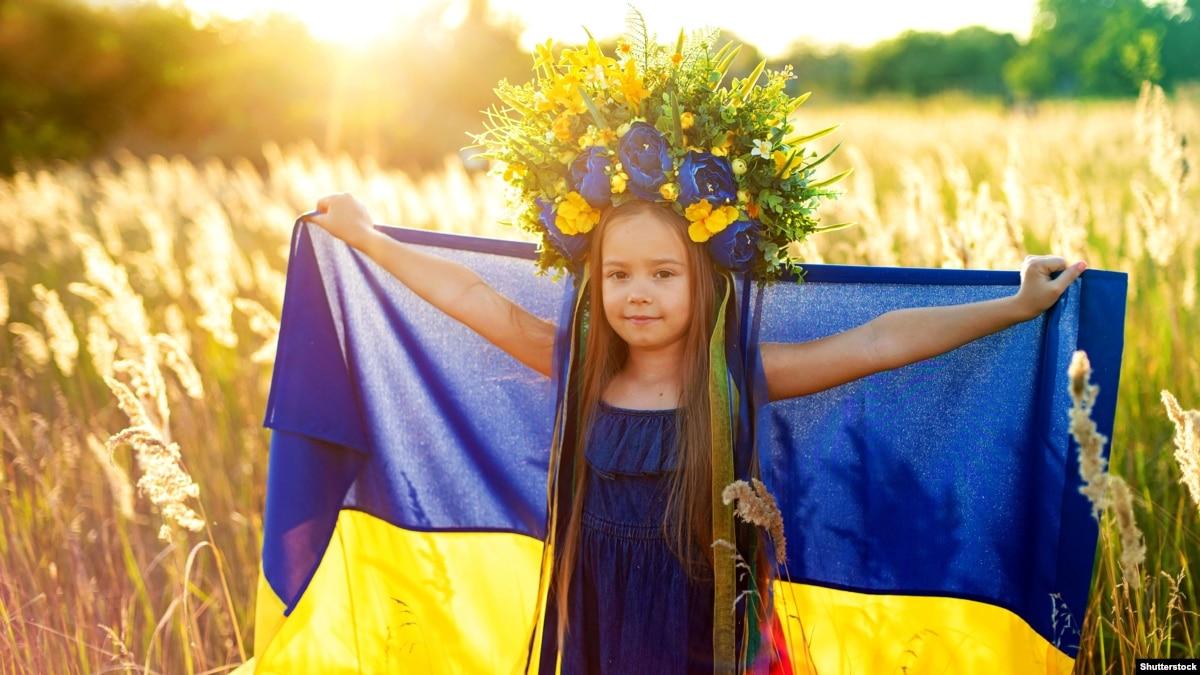 Украинцы ощущают больше оптимизма относительно будущего государства, чем в прошлом году – IRI