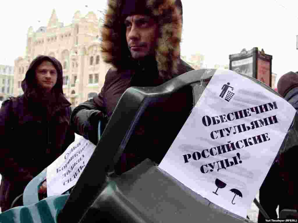 Во время слушания дела Борис Немцов провел 5 часов стоя...