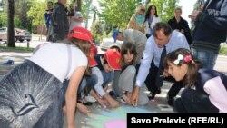 Djeca u akciji uoči Dana nezavisnosti, Podgorica, 18. maj 2012.