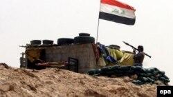 Ирак аскерлеринин Рамади шаарынын жанындагы туруму. 1-июнь, 2015-жыл.