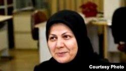 بدرالسادات مفیدی با اشاره به استقبال حسن روحانی از فعالیت انجمنهای صنفی میگوید امیدوار است انجمن صنفی روزنامهنگاران بازگشایی شود.
