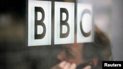 У квітні російський «Роскомнагляд» обіцяв застосувати санкції до британського громадського каналу «Бі-Бі-Сі», якщо RT буде покараний