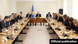 Presidenti i Kosovës, Hashim Thaçi në takim me shefat e misioneve ndërkombëtare në Kosovë.