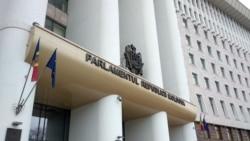 Va ajunge moțiunea împotriva guvernului Chicu în Parlament?