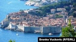 Sve je počelo kada je Vekselberg u Dubrovniku našao idealno mjesto sa neometan odmor sa obitelji