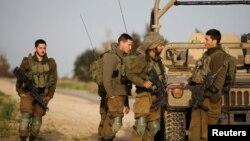 Израильские военные на границе с сектором Газа. 17 февраля 2018 года.