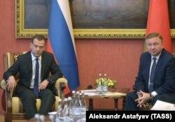 Дзьмітры Мядзьведзеў і Андрэй Кабякоў, архіўнае фота