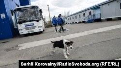 Напярэдадні 29-й гадавіны аварыі журналісты Радыё Свабода наведалі станцыю, каб пераканацца, як ідуць працы на пляцоўцы Чарнобыльскай АЭС.