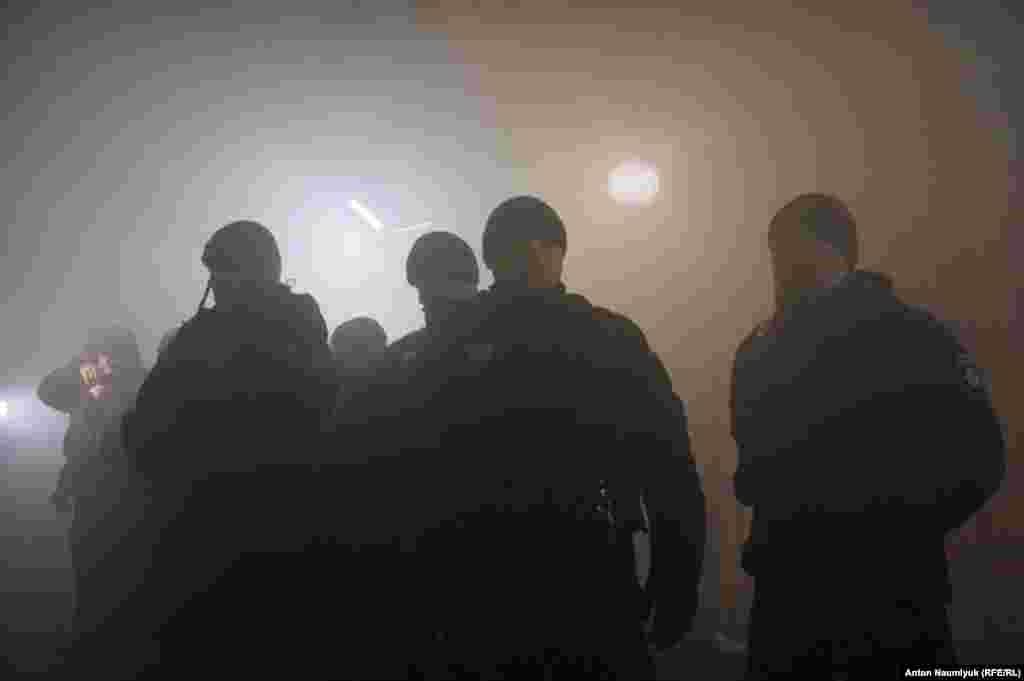 26 ноября состоялось экстренная встреча Украина-НАТО, по итогам которой Североатлантический альянс призвалРоссию немедленно освободить украинских моряков и корабли, захваченные накануе в Керченском проливе.На заседании Совбеза ООН 5 стран-членов ЕС – Франция, Нидерланды, Польша, Швеция и Великобритания также обратились к России с аналогичными требованиями