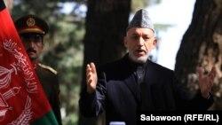 Ауғанстан президенті Хамид Карзай баспасөз жиынында сөйлеп тұр. Кабул, 4 қазан 2012 жыл.