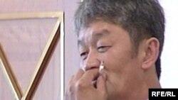 Енді бұрынғы деуптат атанған Виктор Цой, Астана парламент үйі, маусым, 2008 жыл