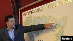 Milorad Dodik pokazuje granice RS-a, arhiv