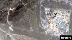 Снимок завода по обогащению урана в Иране, сделанный со спутника.