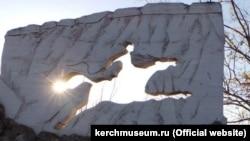 Памятник Алиму Айдамаку в Крыму