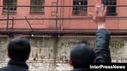 По информации экс-главы комиссии по помилованию, некоторые представители «Грузинской мечты» пытались получить от него положительные рекомендации для амнистии конкретных заключенных
