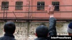 Из 35 узников 7-й тюрьмы 20 - это как раз те, в борьбе с которыми экс-глава пенитенциарной системы применял жесткие меры