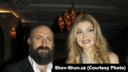 Гульнара Каримова с турецким актером Халитом Эргенчем. Ташкент, 8 октября 2012 года.