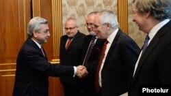 ԵԱՀԿ-ի Մինսկի խմբի համանախագահները հանդիպում են Հայաստանի նախագահ Սերժ Սարգսյանի հետ Երևանում, մայիս, 2014թ․