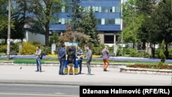 Ako je preporuka stranačkog šefa za posao ustaljena praksa u SDA, zašto ne bi bila i za sve građane BiH: Emir Suljagić