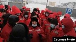 Сотрудники «KMK Мунай» заявили, что не возобновят работу до тех пор, пока не будут выполнены их требования об увеличении заработной платы вдвое. Месторождение Кокжиде, Темирский район, Актюбинская область, 25 января 2021 года.