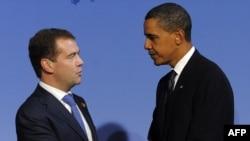 باراک اوباما و دمیتری مدودف، روسای جمهور آمریکا و روسیه در نشست گروه ۲۰ در پیتسبورگ آمریکا