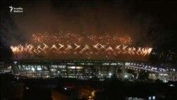 Rioda Olimpiya məşəli alovlandı, amma etirazların fonunda