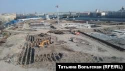 Строительство Судейского квартала в Санкт-Петербурге продолжается, несмотря на обещания властей построить на этом месте парк