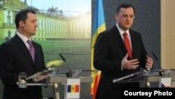 Premierul Vlad Filat la Praga în 2011 cu omologul său ceh Petr Necas