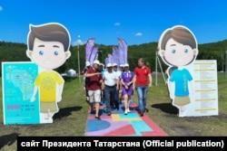 Рустам Минниханов посещает лагерь в 2017 году