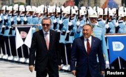 Түркия президенті Режеп Тайып Ердоған мен Қазақстан президенті Нұрсұлтан Назарбаев. Анкара, 5 тамыз 2016 жыл.