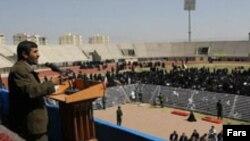 Перед поездкой в Нью-Йорк президент Ирана опробовал свои тезисы на соотечественниках. Выступление в Йезде