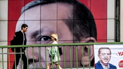 Erdoganove buduće poteze, kako zaključuje Zlatko Dizdarević, neće kontrolisati ni Evropa, niti SAD, ni Rusija