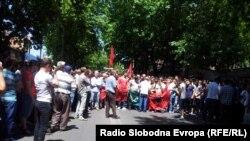 Pamje nga protesta e shqiptarëve në Shkup