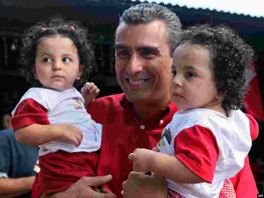 Коста-Рыка: кандыдат у прэзыдэнты ідзе ў народ