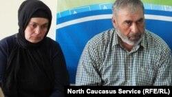 Патимат и Муртазали Гасангусейновы борются за честное имя своих мальчиков