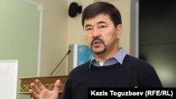 «Жауап беремін» қоғамдық бастамасының авторы, бизнесмен Марғұлан Сейсембаев семинар өткізіп тұр. Алматы, 21 қыркүйек 2015 жыл.