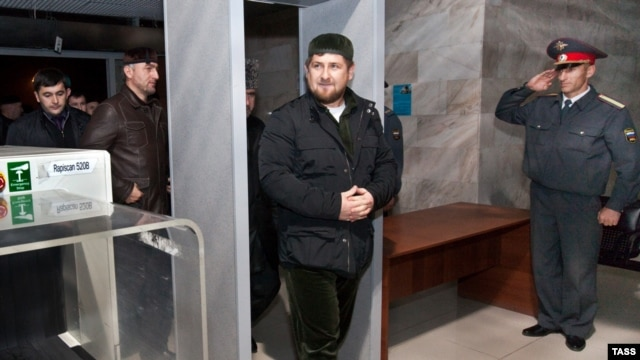 Chechen leader Ramzan Kadyrov wants to see less weaponry on the streets of Grozny.