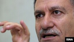 محمدعلی دادخواه از ۱۷ تیرماه در بازداشت به سر میبرد