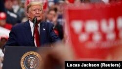 ԱՄՆ նախագահ Դոնալդ Թրամփը Հյուսիսային Կարոլինայի Շառլոթ քաղաքում ընտրարշավի ժամանկ, մարտ, 2020թ.
