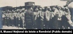 Prizonieri români în gara din Sofia