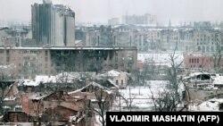 """""""Мечты вернуться домой разбились об известные события, оставившие рубцы в душе каждого чеченца"""", - говорит Рашид Сатуев"""