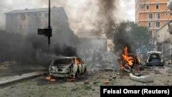 На месте взрыва в Сомали. Архивное фото.