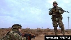 Украинские пограничники в Крыму, декабрь 2014 года