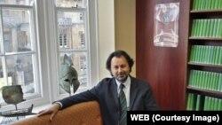 تورج دریایی مدیریت انجمن را دو ماه دیگر از تورج اتابکی تحویل می گیرد و تا پاییز ۲۰۱۸ سرپرست این انجمن خواهد بود.