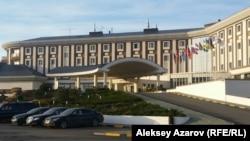 Отель Rixos Borovoe, где проходит заседание высшего Евразийского союза и глав государств-участников СНГ. Акмолинская область, 16 октября 2015 года.