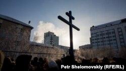 """Молебен на шахте """"Северная"""", что стала братской могилой для 26 горняков. 4 марта 2016"""