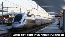 Европа илләрендә йөрүче тизйөрешле Euroduplex поезды